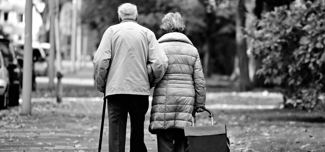 causes of falls in elderly