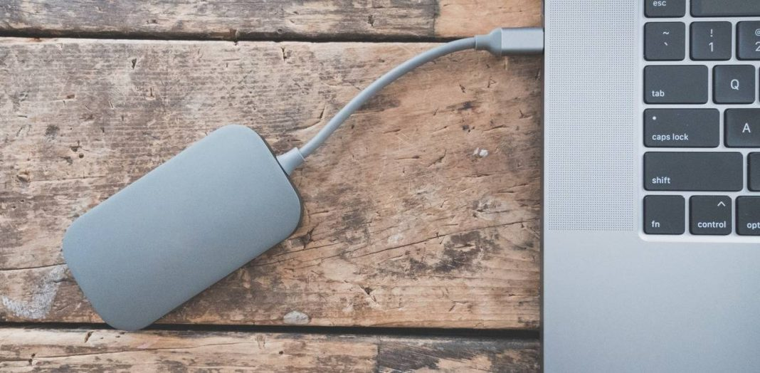 how to backup laptop to external hard drive